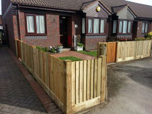 Close boad panels gravel board & gate
